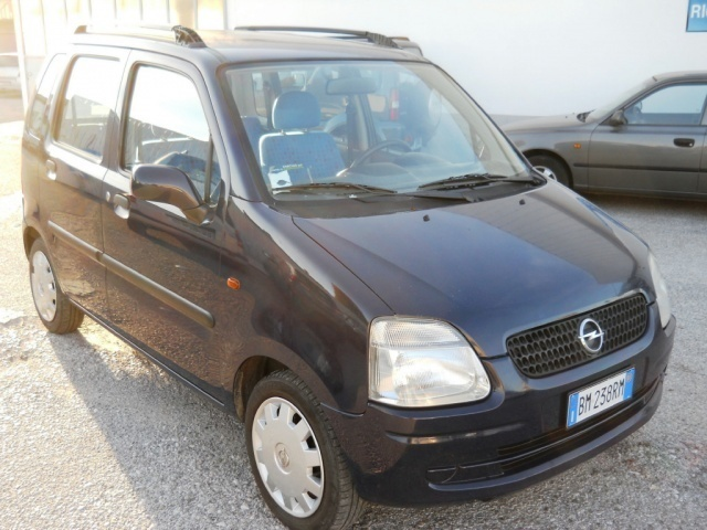 sold opel agila usata 2001 used cars for sale autouncle. Black Bedroom Furniture Sets. Home Design Ideas
