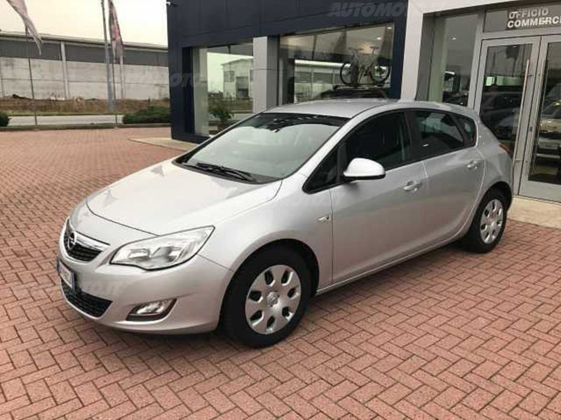 sold opel astra 1 4 100cv 5 porte used cars for sale autouncle. Black Bedroom Furniture Sets. Home Design Ideas