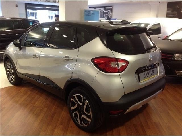 sold renault captur hypnotic dci 9 used cars for sale autouncle. Black Bedroom Furniture Sets. Home Design Ideas