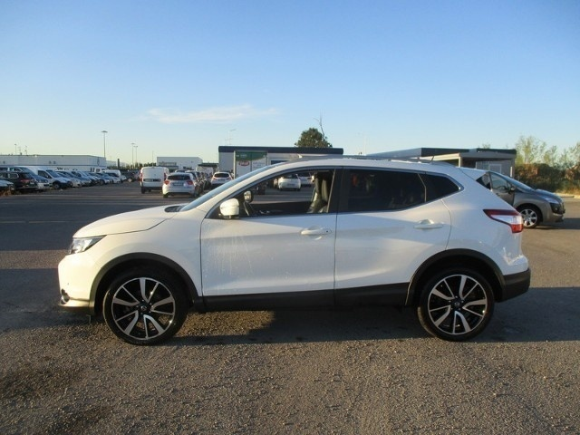 sold nissan qashqai 1 5 dci 110 te used cars for sale. Black Bedroom Furniture Sets. Home Design Ideas