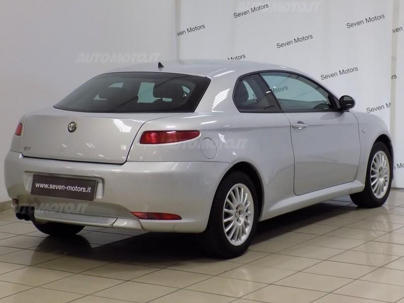 Sold alfa romeo gt usata del 2008 used cars for sale for Prezzo del pacchetto di 2 box auto