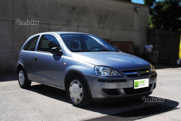 sold opel corsa 1 2 twinport 2005 used cars for sale autouncle. Black Bedroom Furniture Sets. Home Design Ideas