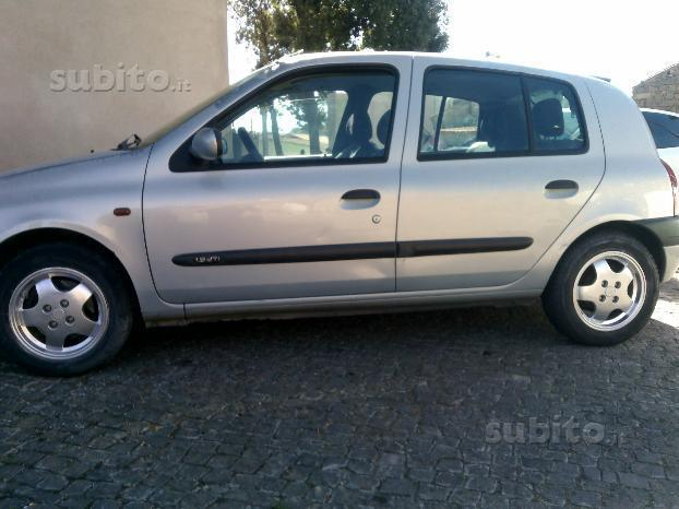 sold renault clio 2 serie 1 9 d used cars for sale. Black Bedroom Furniture Sets. Home Design Ideas