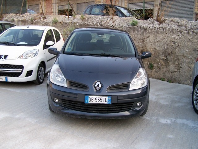 sold renault clio 1 5 dci 70cv 5 p used cars for sale autouncle. Black Bedroom Furniture Sets. Home Design Ideas