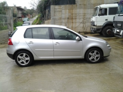 sold vw golf 5 serie 1 9 tdi 105 used cars for sale autouncle. Black Bedroom Furniture Sets. Home Design Ideas