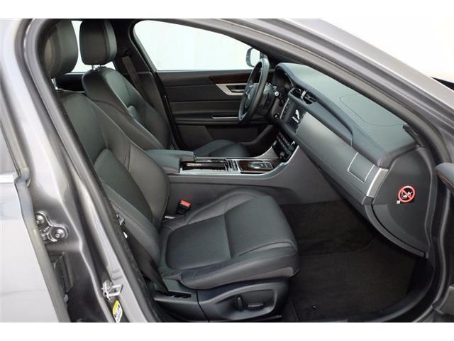 sold jaguar xf 2 serie x260 2 0 used cars for sale autouncle. Black Bedroom Furniture Sets. Home Design Ideas