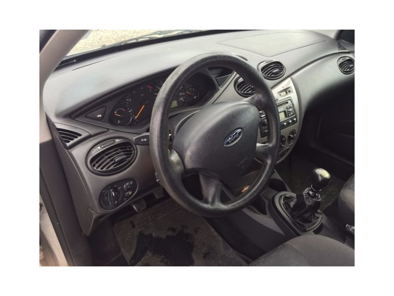 sold ford focus 1 8 tdci 100cv used cars for sale autouncle. Black Bedroom Furniture Sets. Home Design Ideas