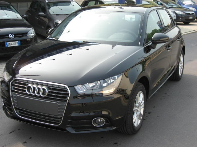 sold audi a1 spb 1 6 tdi 105 cv at used cars for sale autouncle. Black Bedroom Furniture Sets. Home Design Ideas