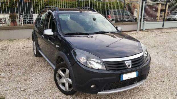 usato stepway 1 5 dci 90cv 2011 dacia sandero 2011 km in roma rm. Black Bedroom Furniture Sets. Home Design Ideas