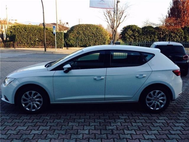 sold seat leon 1 6 tdi 105 cv 5p used cars for sale autouncle. Black Bedroom Furniture Sets. Home Design Ideas