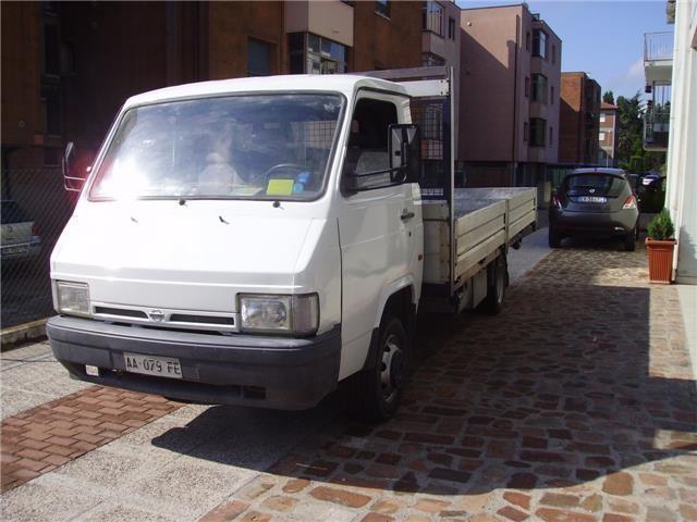 usato 3 0 diesel pm ta furgone nissan trade 1994 km 199. Black Bedroom Furniture Sets. Home Design Ideas