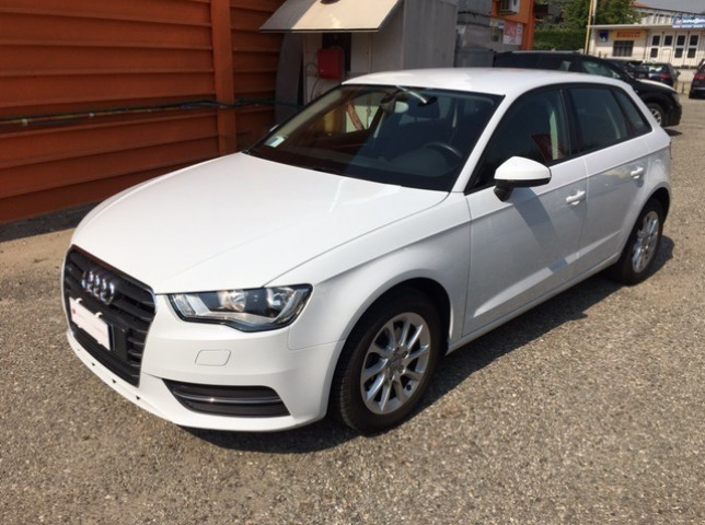 sold audi a3 spb 1 6 tdi 105 cv used cars for sale autouncle. Black Bedroom Furniture Sets. Home Design Ideas