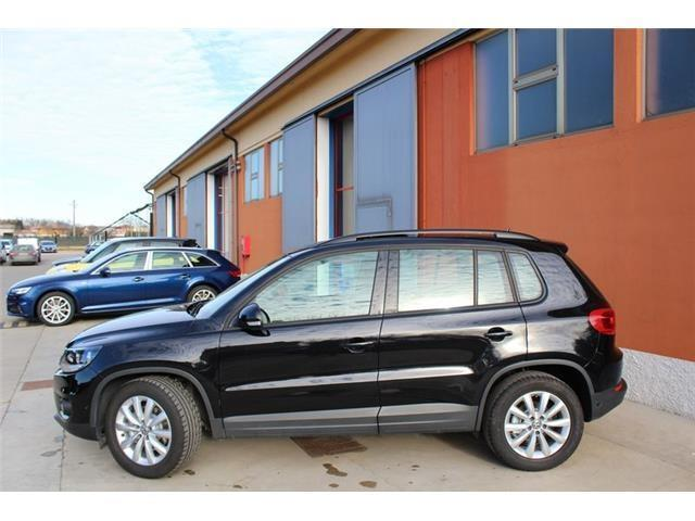 sold vw tiguan 2 0 tdi 110 cv adva used cars for sale autouncle. Black Bedroom Furniture Sets. Home Design Ideas