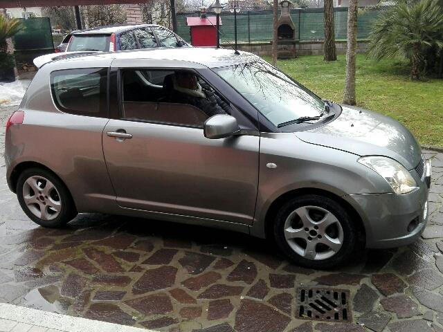 sold suzuki swift 1 3 ddis 3p gl used cars for sale autouncle. Black Bedroom Furniture Sets. Home Design Ideas