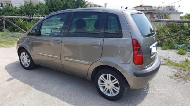 Venduto lancia musa diva g p l 2007 auto usate in vendita - Lancia musa diva ...