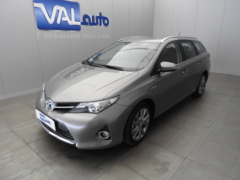 usato touring sports 1 8 hybrid active plus toyota auris 2013 km in roma rm. Black Bedroom Furniture Sets. Home Design Ideas