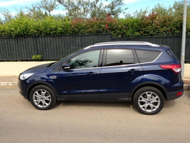 sold ford kuga 2 0 tdci 140 cv 4wd used cars for sale. Black Bedroom Furniture Sets. Home Design Ideas