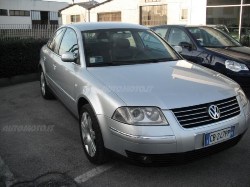 usato 1 9 tdi 130 cv comfortline tiptronic vw passat 2003 km in torino to. Black Bedroom Furniture Sets. Home Design Ideas