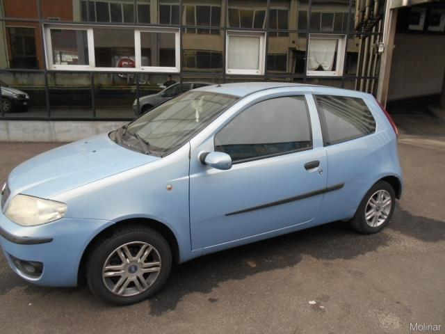 sold fiat punto dynamic 1 2 60cv 3 used cars for sale autouncle. Black Bedroom Furniture Sets. Home Design Ideas