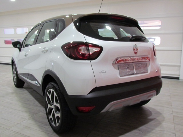 sold renault captur nuova dci 110 used cars for sale autouncle. Black Bedroom Furniture Sets. Home Design Ideas