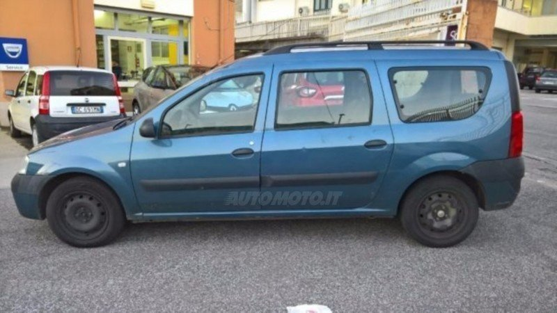 Sold dacia logan station wagon mcv used cars for sale for Dacia duster 7 posti