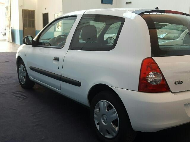 sold renault clio storia 1 5 dci v used cars for sale autouncle. Black Bedroom Furniture Sets. Home Design Ideas