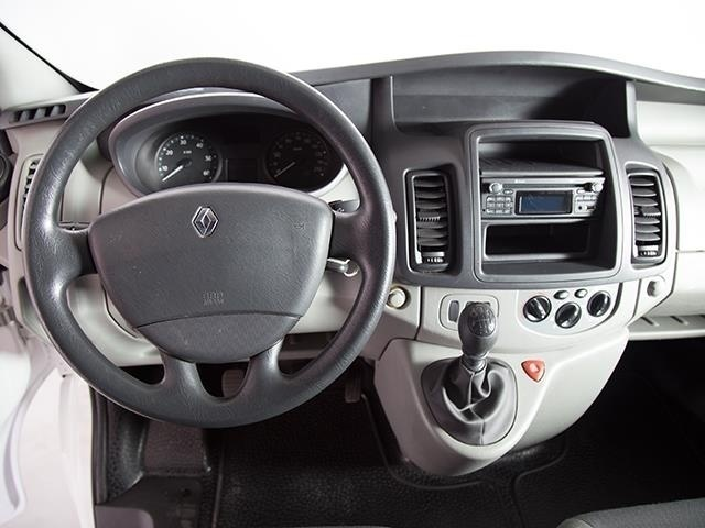 sold renault trafic t29 2 0 dci 11 used cars for sale autouncle. Black Bedroom Furniture Sets. Home Design Ideas
