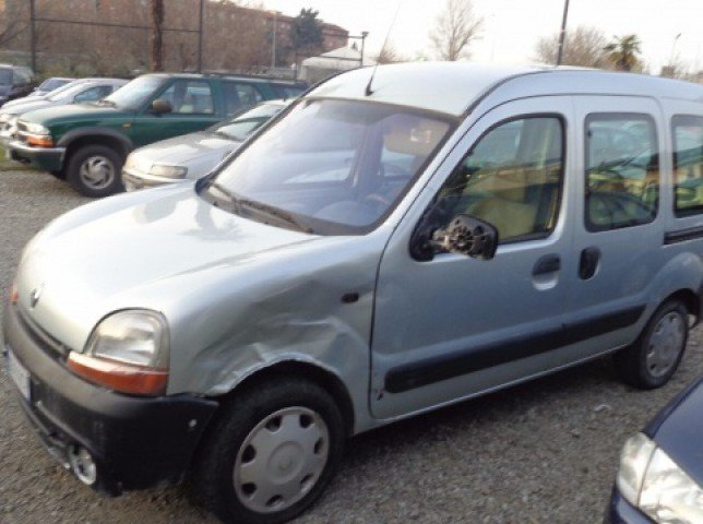 usato 1 9 dti cat 5 porte expression renault kangoo 2002 km in bologna bo. Black Bedroom Furniture Sets. Home Design Ideas