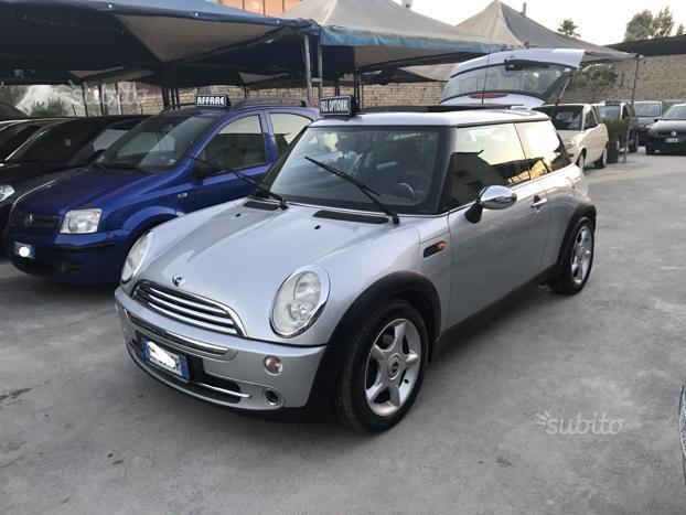 venduto mini cooper 1.6 benz anno 200. - auto usate in vendita