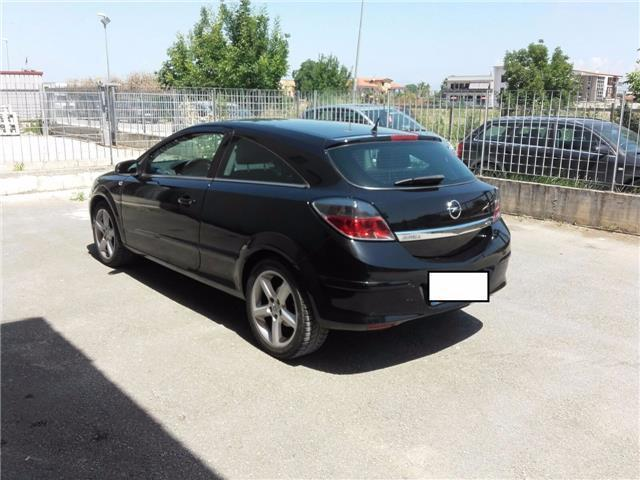 sold opel astra gtc gtc 1 9 16v cd used cars for sale autouncle. Black Bedroom Furniture Sets. Home Design Ideas