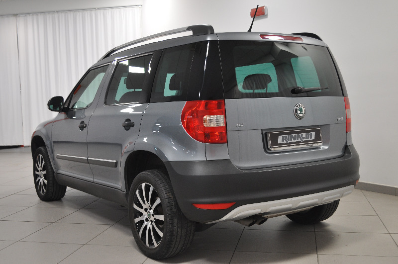 sold skoda yeti 2 0 tdi cr 110cv a used cars for sale. Black Bedroom Furniture Sets. Home Design Ideas