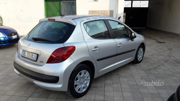sold peugeot 207 1 6 hdi 90 cv ann used cars for sale autouncle. Black Bedroom Furniture Sets. Home Design Ideas