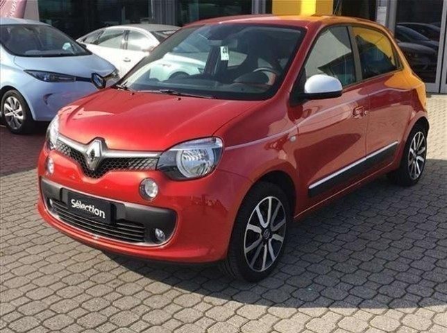 sold renault twingo sce s s intens used cars for sale. Black Bedroom Furniture Sets. Home Design Ideas