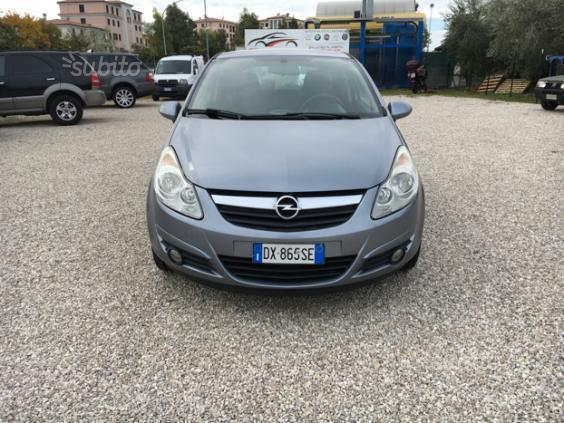 sold opel corsa 1 2 80cv 5 porte g used cars for sale autouncle. Black Bedroom Furniture Sets. Home Design Ideas