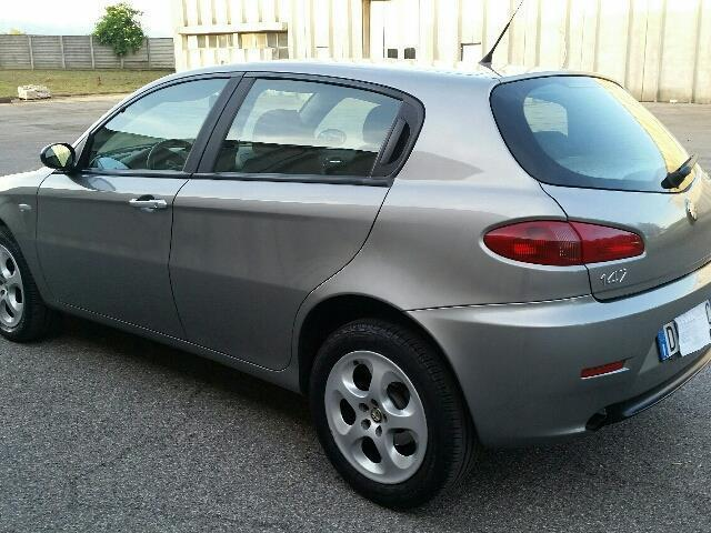 sold alfa romeo 147 1 9 jtdm 16v q used cars for sale autouncle. Black Bedroom Furniture Sets. Home Design Ideas