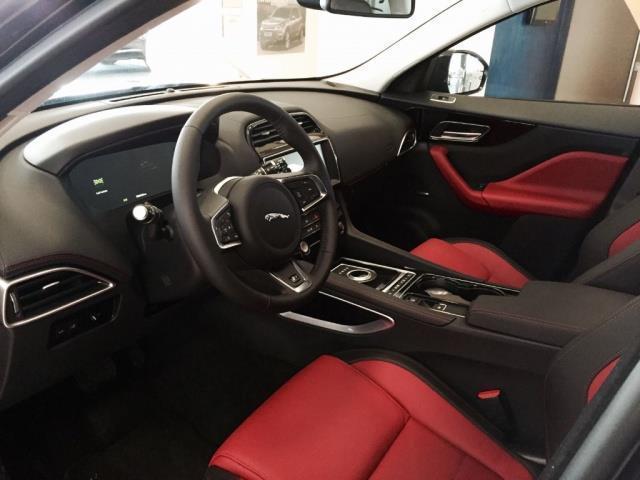 Sold jaguar f pace usata del 2016 used cars for sale for Marini arredamenti sant angelo in vado