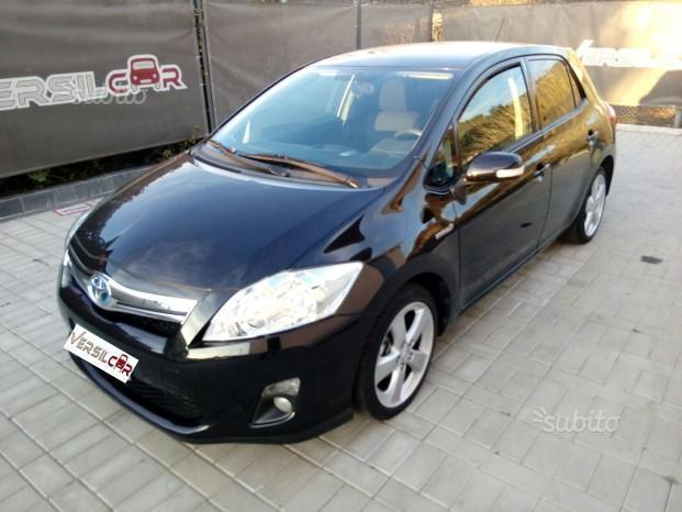 sold toyota auris 1 8 hybrid 5p l used cars for sale autouncle. Black Bedroom Furniture Sets. Home Design Ideas