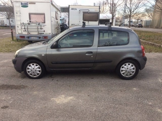 sold renault clio 1 2 3 porte camb used cars for sale autouncle. Black Bedroom Furniture Sets. Home Design Ideas