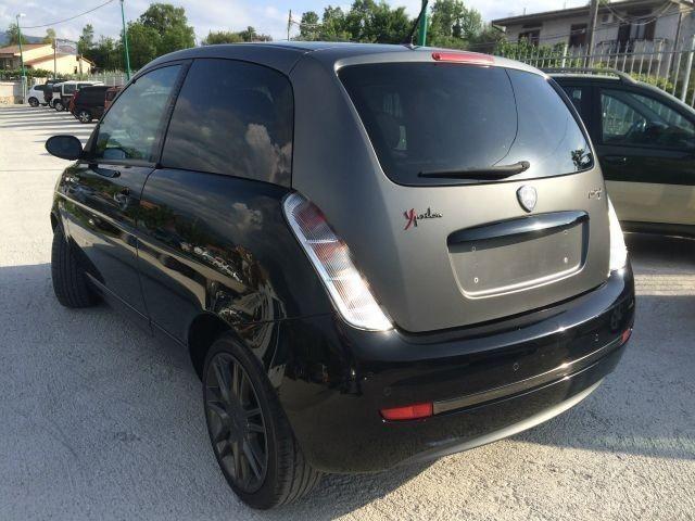 https://images.autouncle.com/it/car_images/86cfbfd9-8dc6-4daf-a4d6-844e408e6b6e_lancia-ypsilon-1-3-mjt-105-cv-sport-momodesign-limited-edition.jpg