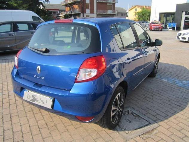 sold renault clio iii 1 5 dci 85 c used cars for sale autouncle. Black Bedroom Furniture Sets. Home Design Ideas