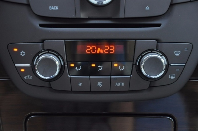 Schemi Elettrici Opel Insignia : Venduto opel insignia usata diesel ro auto usate in vendita