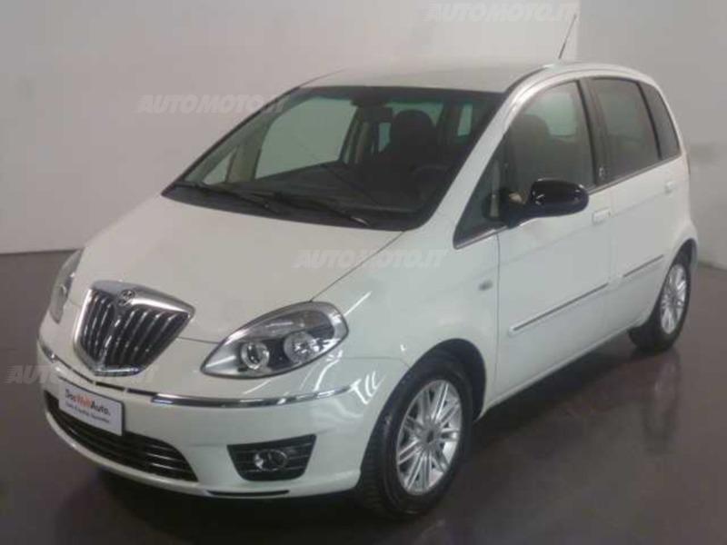 Sold lancia musa 2 serie 1 4 8v e used cars for sale autouncle - Lancia musa diva ...