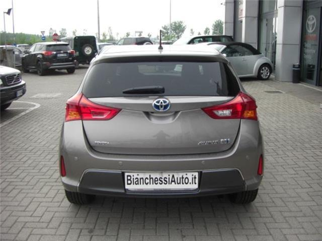 sold toyota auris 1 8 hybrid loung used cars for sale autouncle. Black Bedroom Furniture Sets. Home Design Ideas
