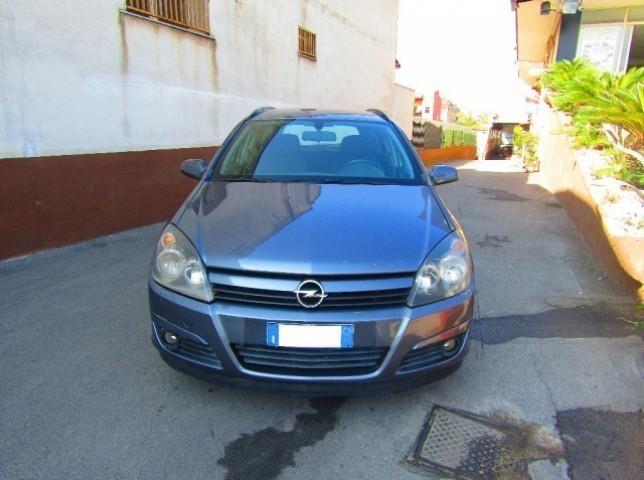 Usato station wagon 1 7 cdti 101cv station wagon club del for Bianco arredamenti somma vesuviana