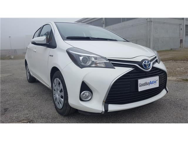 sold toyota yaris 1 5 hybrid activ used cars for sale autouncle. Black Bedroom Furniture Sets. Home Design Ideas