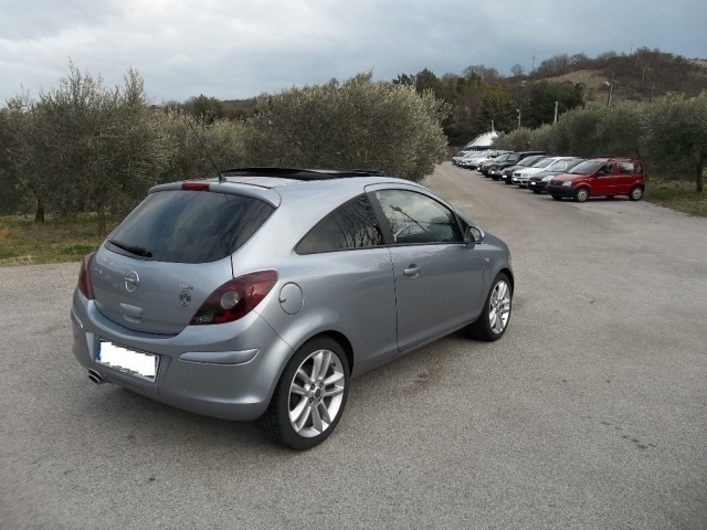sold opel corsa 1 3 cdti 90cv 3 po used cars for sale autouncle. Black Bedroom Furniture Sets. Home Design Ideas