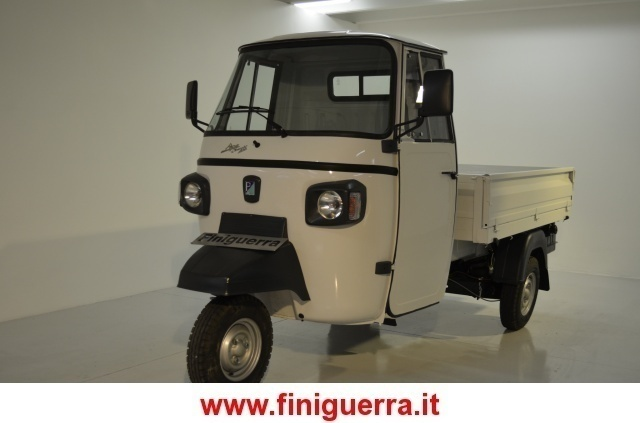 sold piaggio ape classic 400 used cars for sale autouncle. Black Bedroom Furniture Sets. Home Design Ideas