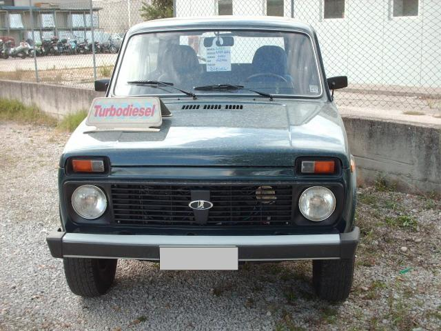usato 4x4 1 9 td diesel lada niva 2001 km in terni tr. Black Bedroom Furniture Sets. Home Design Ideas