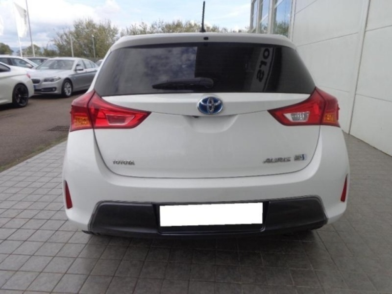 sold toyota auris 1 8 hybrid lounge used cars for sale autouncle. Black Bedroom Furniture Sets. Home Design Ideas