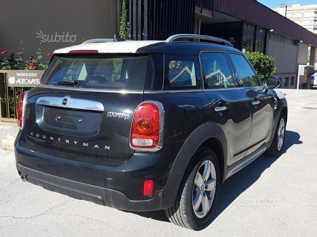 Venduto Mini Cooper Countryman 4lld 1 Auto Usate In Vendita
